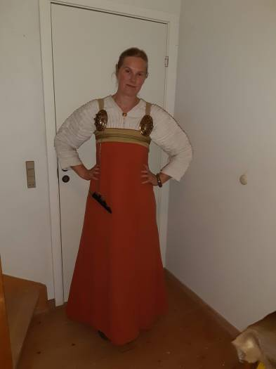 kjole farvet med tørst